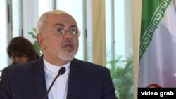 Иранскиот министер за надворешни работи, Мохамад Џавад Зариф за време на посетата во Прага. 11.11.2016.