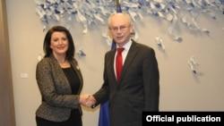 Presidentja e -Kosovës, Atifete Jahjaga takon presidentin e Këshillit Evropian, Herman van Rompuy