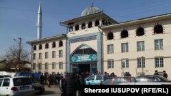 "Мечеть ""Ас-сарахсий"". Кара-Суу, 9 февраля 2015 года."