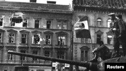 Luptători din timpul Revoluției Maghiare, Budapesta,1956.