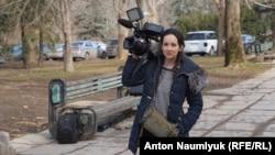 France24 agentliginiñ Rusiyedeki mahsus muhbiri Yelena Voloşına. Aqmescit, Fevral 20 künü 2017 senesi