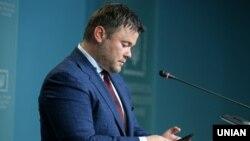 У ніч на 11 серпня в Києві спалили автомобіль колишнього голови Офісу президента Андрія Богдана