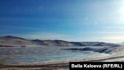 Берег озера Байкал (архивное фото)