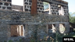 Развалины домов пока не снесены, но планируется освоение терриорий