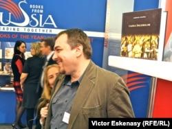 """Cu Lucian Dan Teodorovici, coordonatorul colecției """"Ego. Proză"""" la Editura Polirom"""
