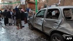 یکی از بمبگذاریهای اخیر علیه حوثیها در یمن. ۲۳ دسامبر ۲۰۱۴.