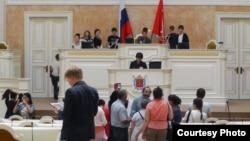 Чеченские школьники в петербургском парламенте