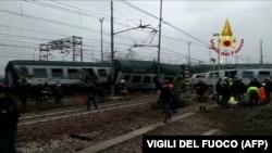 На месте железнодорожной аварии близ Милана. 25 января 2018 года.