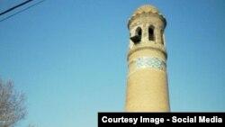 Әндіжандағы көне мұнара.