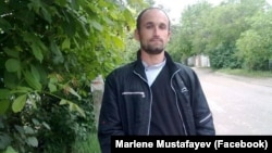 Crimean Tatar activist and lawyer Marlen Mustafayev (file photo)