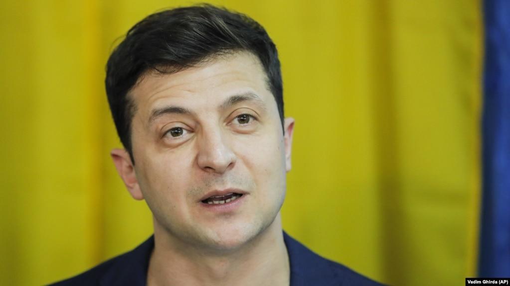 Volodimir Zelenski vorbind jurnaliștilor duminică, 21 aprilie