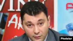пресс-секретарь правящей Республиканской партии Армении (РПА) Эдуард Шармазанов (архив)