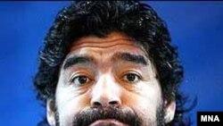 مارادونا به عنوان يک نامزد کم اقبال به عنوان جانشين آلفيو باسيله مطرح است.(عکس: MNA)