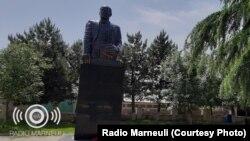 ნარიმან ნარიმანოვის ძეგლი