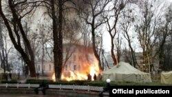 Пожар в палатке протестующих у Верховной Рады Украины 26 ноября 2017 года
