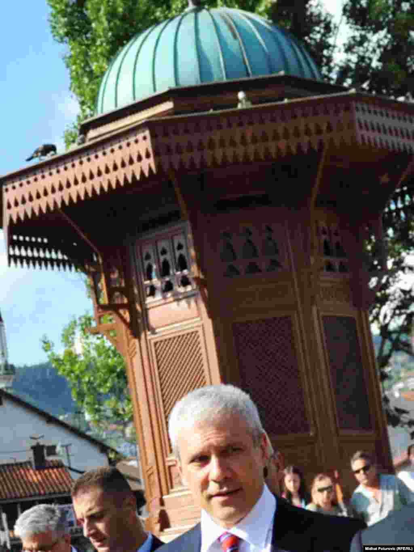 Boris Tadić prošetao Baščaršijom (Foto: Midhat Poturović)