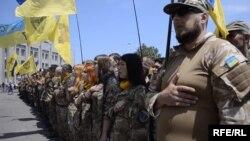 Активісти Євромайдану, представники «Самооборони Майдану» і «Правого сектору» зустрічають Міхеїла Саакашвілі в Одесі. 11 червня 2015 року