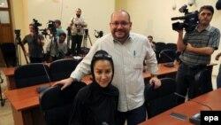 Washington Post qəzetinin müxbiri Jason Rezaian və onun iranlı xanımı Yeganeh Salehi.