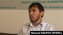 KICB bankidan pulini ololmayotgan qorasuvlik tadbirkor Shahobiddin Bozorboev.