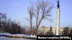 Сквер Победы, где располагается Вечный огонь в Семее, 23 января, 2012 года.