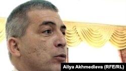 Общественный деятель Алик Газалиев. Талдыкорган, 5 января 2012 года.