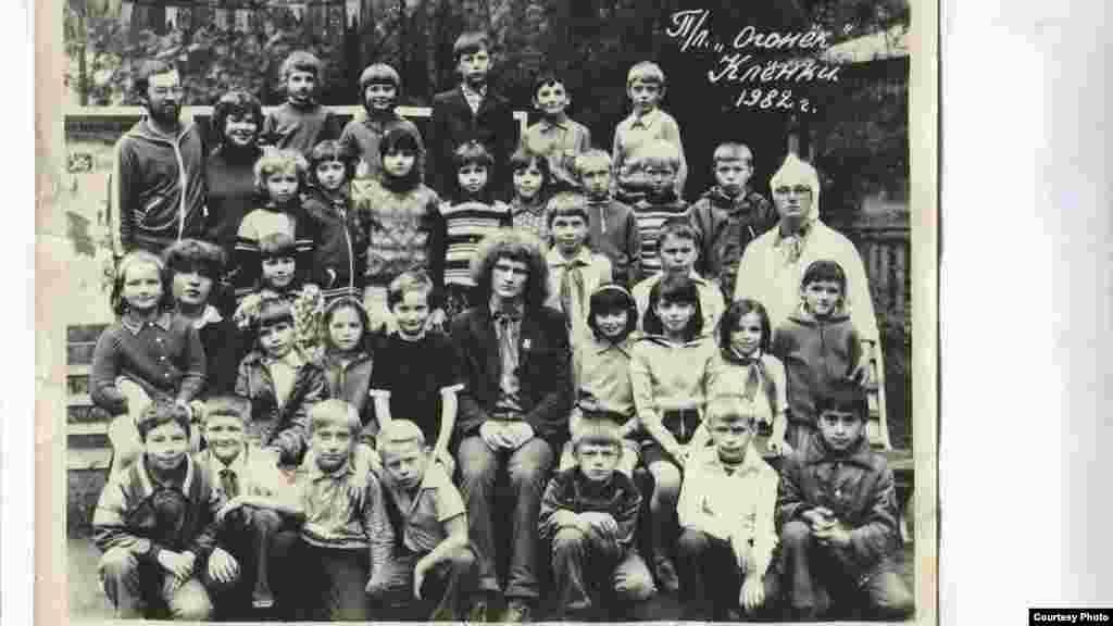 Алесь Бяляцкі — важаты ў дзіцячым лягеры пад Гомелем. 1982 г.