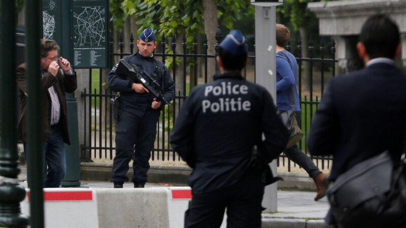 Napadač nožem ranio policajca u Briselu