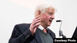 Britaniya baş naziri Boris Johnson-un atası Stanley Johnson