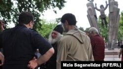 """Тбилиси, 24 мая 2013 года: акция защитников прав сексуальных меньшинств """"Нет теократии"""""""