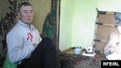 Bäş çagaly maşgalanyň ýeke-täk ekleýjisi bolan Kunibaý Orazalyýew.