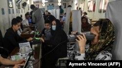 آرشیف، روند بایومتریک افراد در ریاست عمومی پاسپورت در کابل