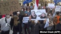 A héten az orosz ellenzéki politikus, Alekszej Navalnij mellett is tüntettek Prágában