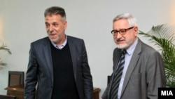 Архивска фотографија- копретседателите на македонско-бугарската комисија Драги Ѓоргиев и Ангел Димитров
