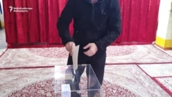 Apparent Ballot Stuffing Filmed During Tajik Polls