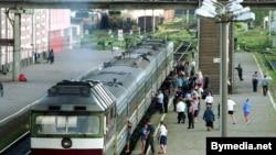 Belarus -- Railway Station, Train, passenger train, Vitebsk, August 2000