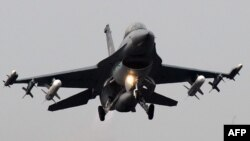 مقاتلة إف 16 اميركية