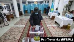Protesters Detained As Kazakhs Go To The Polls