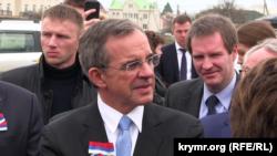 Тьерри Мариани и российские политики на французском кладбище в Севастополе