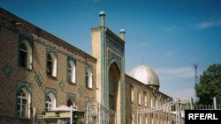 Центральная мечеть в Душанбе.