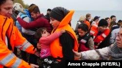 Izbjeglice stižu na Lezbos