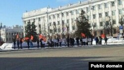 """Русия коммунистлары"" Агропромпарк базары җитәкчелегенә протест белдерә. 16 февраль 2014"