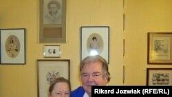 Марія і Олександр Пушкіни в своєму брюссельському помешканні