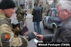 Блокпост в Октябрьском районе Донецка
