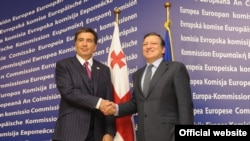 მიხეილ სააკაშვილისა (მარცხნივ) და ჟოზე მანუელ ბაროზუს შეხვედრა ბრიუსელში, 2010 წლის ნოემბერში