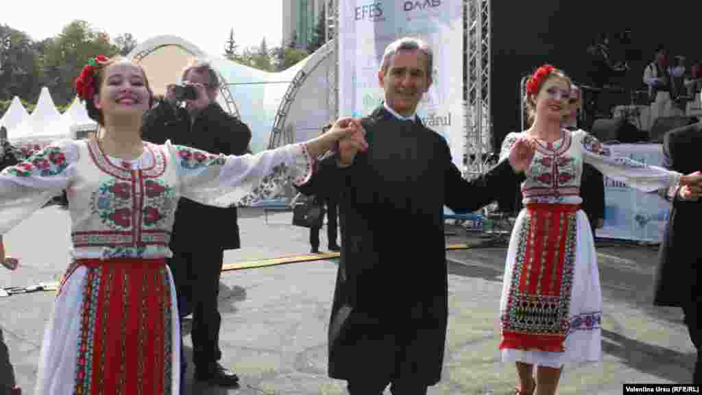 Moldovan Prime Minister Iurie Leanca, pictured here doing a traditional dance.