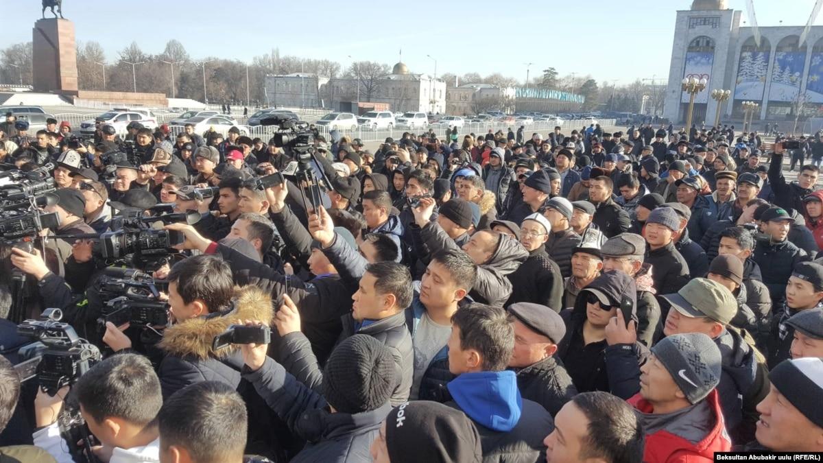 В Бишкеке протестовали против мигрантов из Китая: полиция задержала 21 человека
