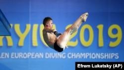 13-річний українець Олексій Середа став чемпіоном Європи зі стрибків у воду. Він став найкращим на 10-метровій вишці. Київ, 11 серпня 2019 року