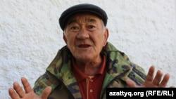 Ащысай ауылының тұрғыны Байбосын Тоқтаров.
