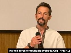 Юрій Калиняк під час презентації короткої версії фільму у Львові