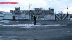 """""""Бьют других людей"""". Жена Ильдара Дадина о """"пыточной"""" колонии в Карелии"""